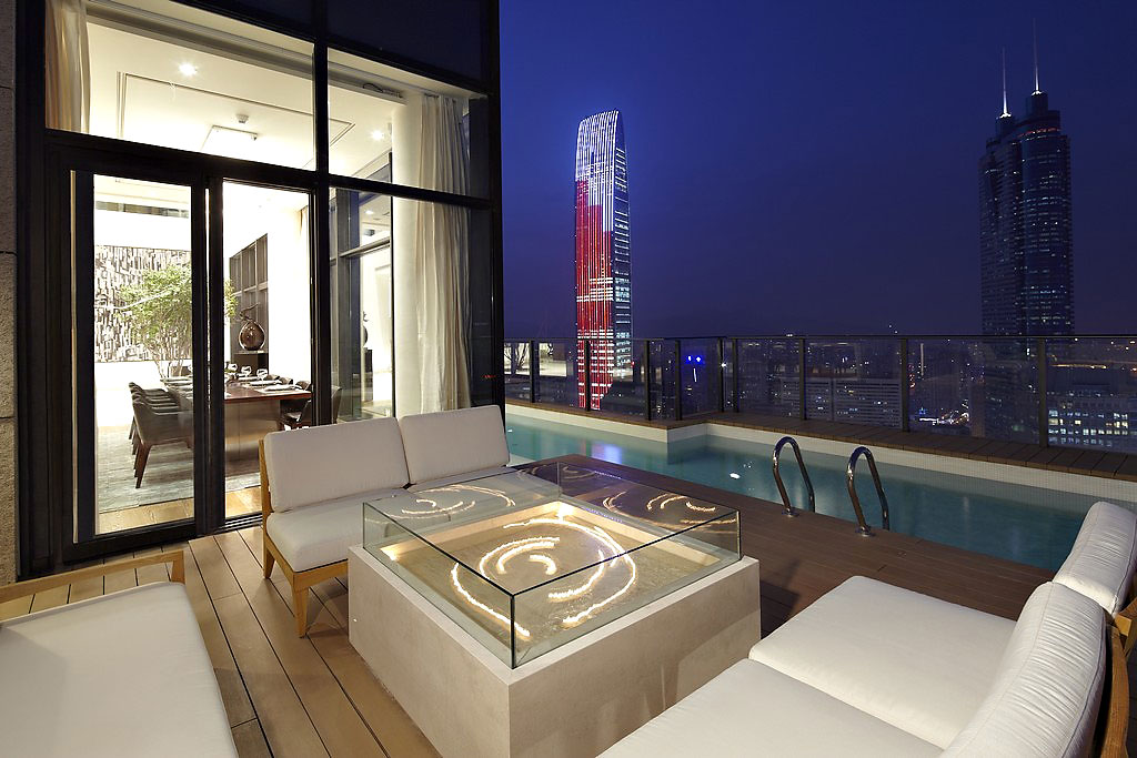 This Penthouse Apartment Is Located On The 48th And 49th Floors Of A Luxury  Residential Building In Shenzhen, A Major City In The South Of Southern  Chinau0027s ...