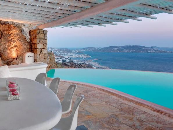 White Luxury house in Mykonos, Greece 03